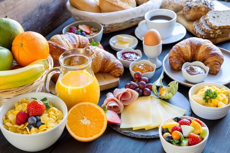 comment-preparer-petit-dejeuner-buffet